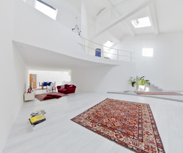 ultrarkitettura Loft White House: Organic Architecture and Planned Emptiness in Mestre