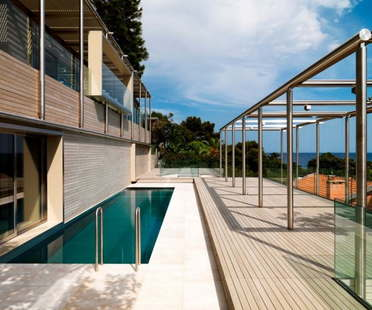 Villa in Roquebrune by Lazzarini Pickering Architetti, Azure Coast, France