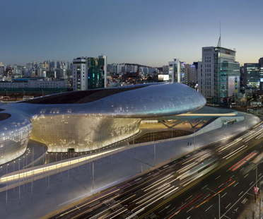 Zaha Hadid Architects Dongdaemun Design Plaza, Seoul, Korea