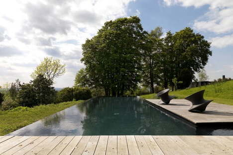 House in the Chilterns: In the footsteps of Mies Van Der Rohe