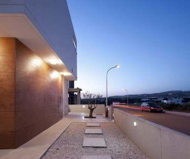 Riana's Residence by Vardas Studio