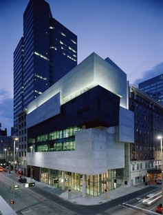 Contemporary Arts Center Cincinnati photo by Roland Halbe