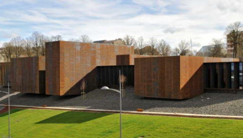 Rcr arquitectes musee soulages rodez france floornature - Musee soulages rodez horaires ...