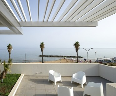 Architrend's Erny House: a window on the sea