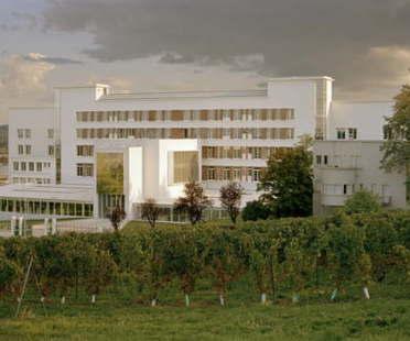 Conversion of the Sabourin sanatorium into a school of architecture