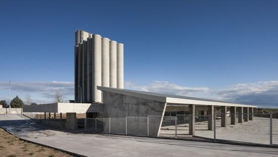 Trujillo bus station: an ode to concrete
