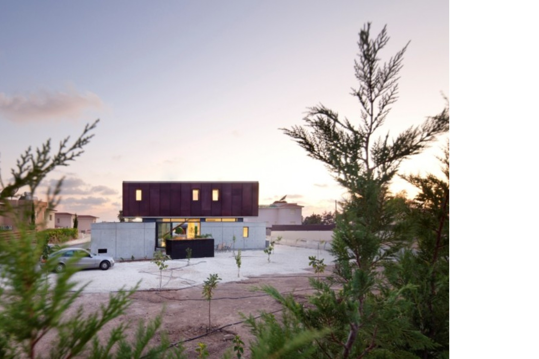 Vardas Studio designs a residence for Andri and George | Floornature