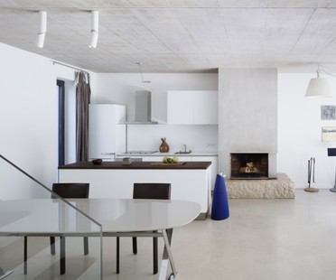 Minimalism: a family home in Klanovice by ADR