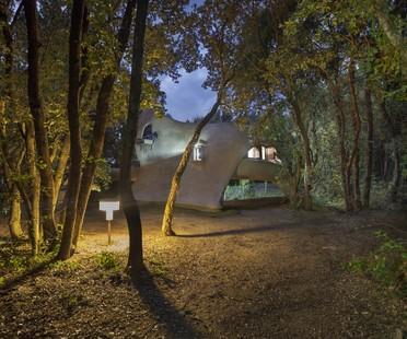 A video about Vittorio Giorgini's La Balena house
