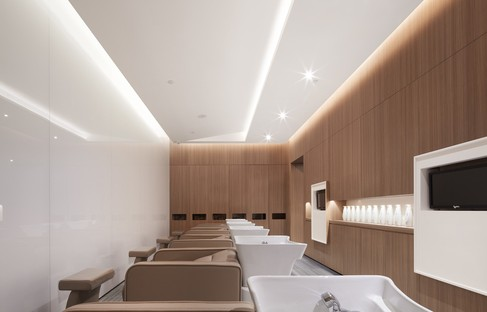Curve Cutting by Co-Direction Interior Design