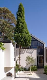 Luigi Rosselli Bougainvillea Row House