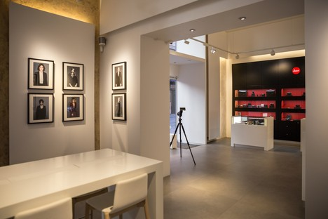 DC10: a surface project for the Leica Store in Rome