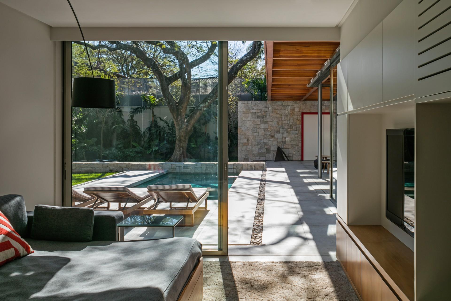 Perkins + Will Architecture House around the Tree São Paulo, Brazil