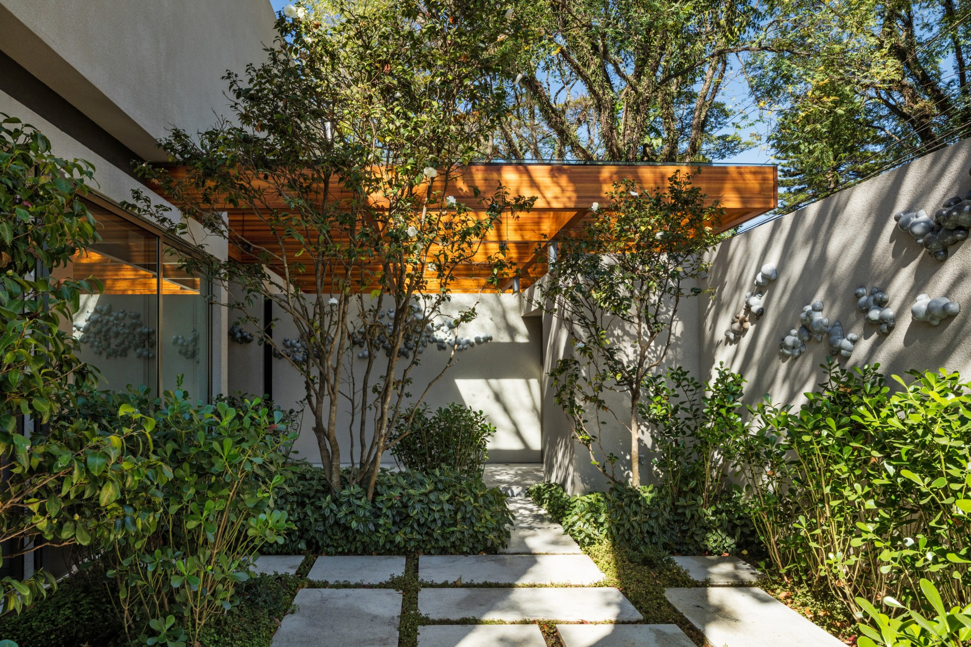 Perkins Will Architecture House around the Tree Sao Paulo Brazil ...