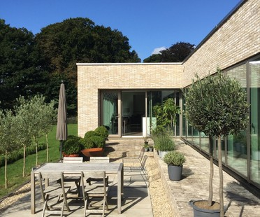 Mike Keys and Anne Claxton Hill House, an elegant house in Bath
