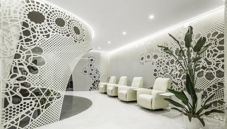 Lily Nails: lace in the interior design by Archstudio | Floornature