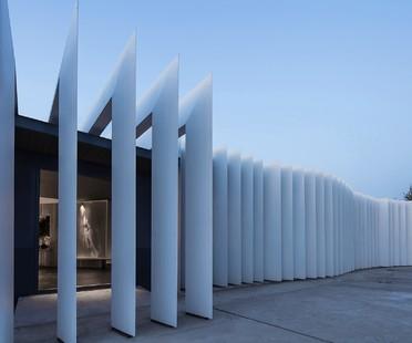 Un raggio di luce incontra il design: SERIP Showroom di CUN Design