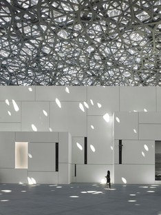 Jean Nouvel Louvre Abu Dhabi the museum and the sea