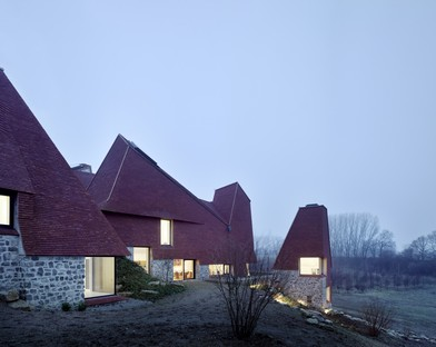 Macdonald Wright Architects Caring Wood: a 21st century country home