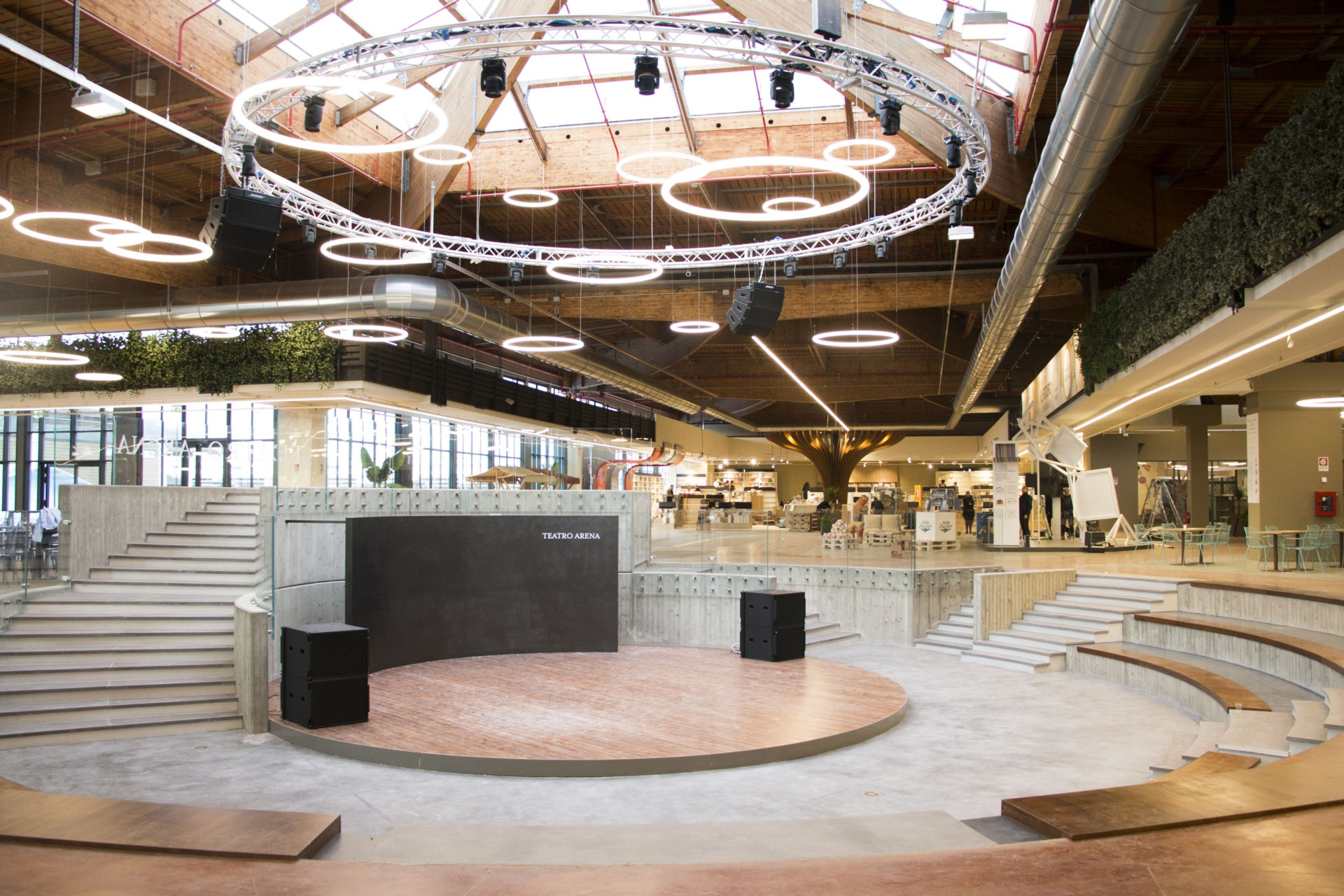 Interview with Thomas Bartoli, architect in charge of Eataly Design