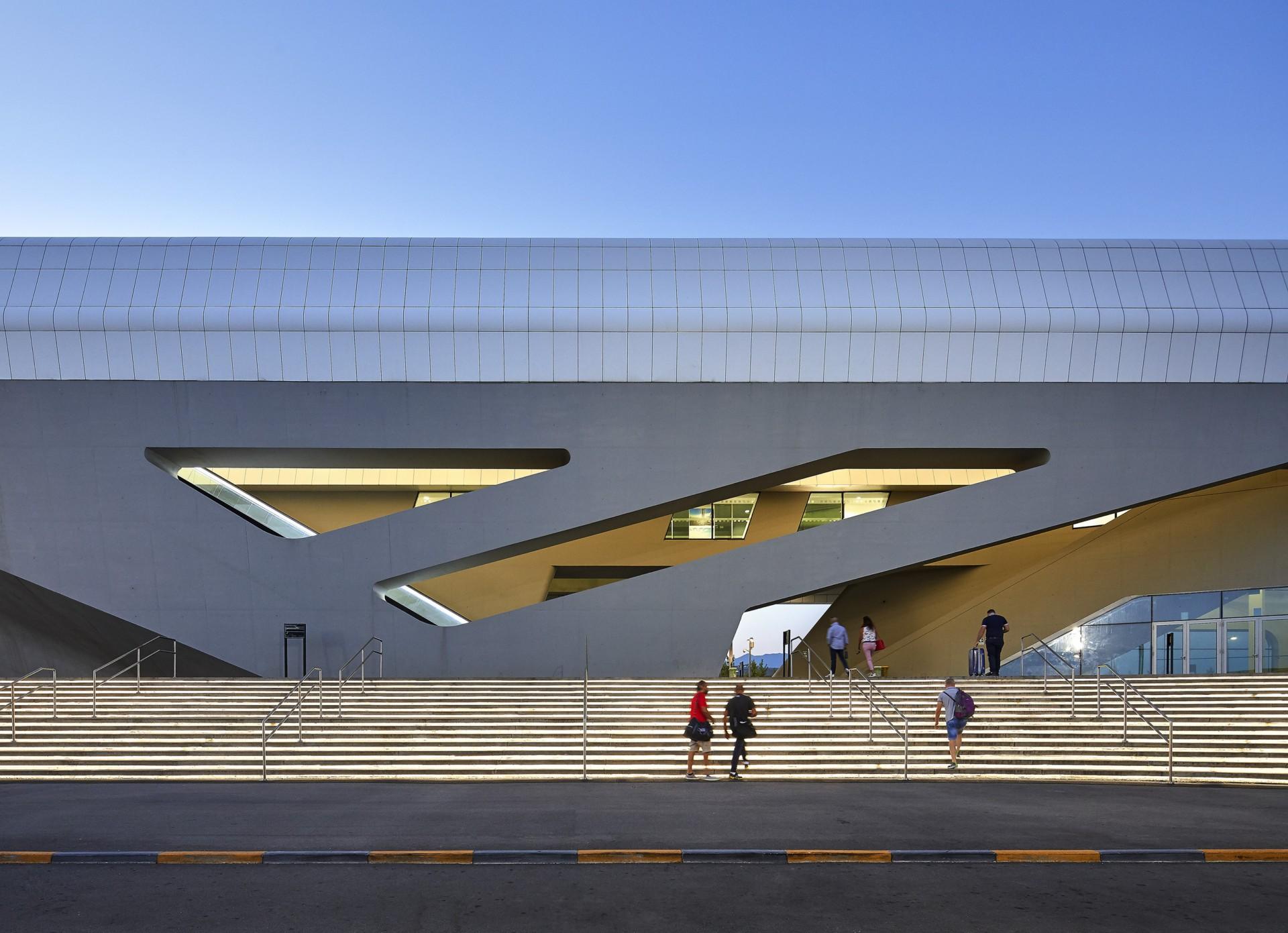 Zaha Hadid Architects Napoli-Afragola High Speed Train Station