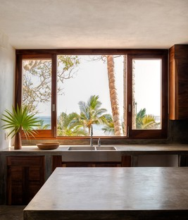 Main Office designs a house surrounded by the tropical landscape of Mexico