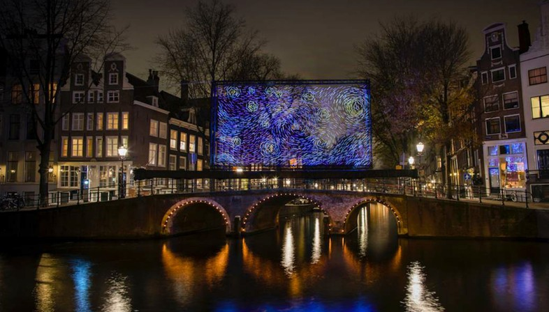 Artworks and architectures of light in Amsterdam, Montréal and Salerno