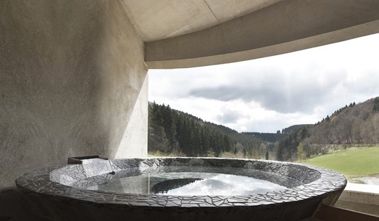 Christoph Hesse Architects: Villa F, an off-the-grid house