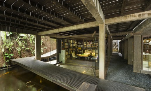 Architectures in Indonesia: a micro-library and a residence