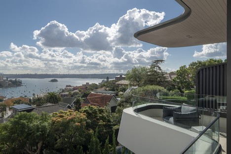 Luigi Rosselli Architects Hill House a panoramic viewpoint over Sydney