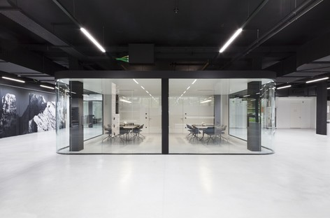 Monovolume designs a new and modern headquarters for Durst in Brixen