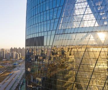 Zaha Hadid Architects complete Leeza SOHO in Beijing