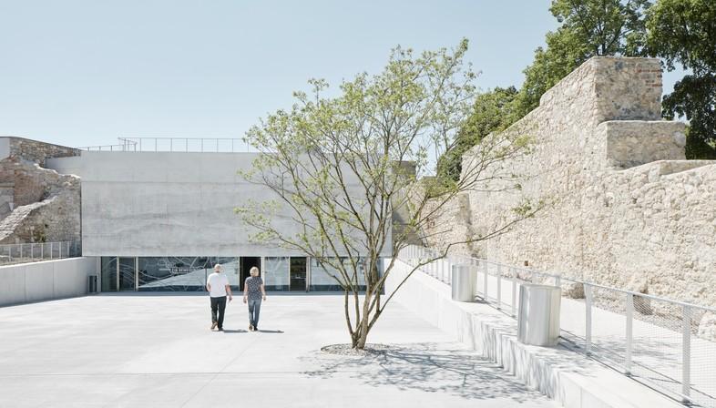 Neue Galerie und Kasematten / Neue Bastei wins the International Piranesi Award 2019