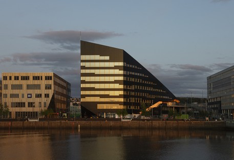 Snøhetta designs Powerhouse Brattørkaia, the world's northernmost energy-positive building