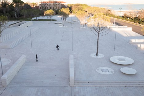 C+S Architects carry out an urban intervention for Piazza del Cinema in Venice Lido