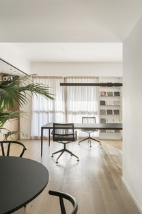 Studio Didea creates the interior design for two offices in Milan and Palermo