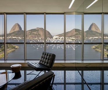Reinach Mendonça Arquitetos Associados designs office building overlooking Sugarloaf Mountain in Rio de Janeiro