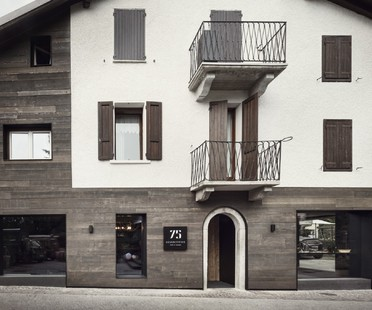 Lissoni Associati 75 Café and Lounge, Wine Bar in Ponte di Legno, Brescia