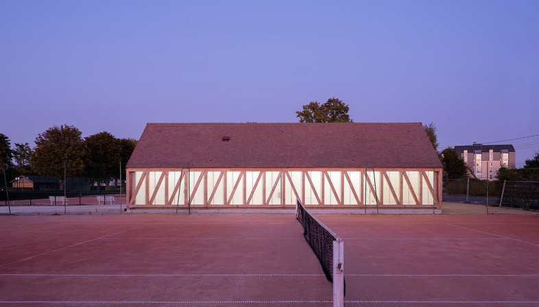 Lemoal Lemoal Architectes New facilities for the Garden Tennis Club in Cabourg