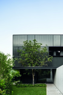Lissoni & Partners architecture, nature and industry on the lake - Fantini Headquarters in Pella