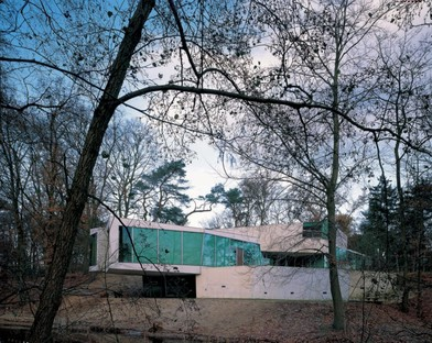 Planet Netherlands: 20 years of Dutch architecture online
