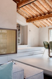 Giuseppe Tortato Architects: an exciting new story for a penthouse in Padua