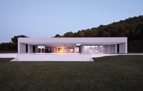 Living against the backdrop of the Mediterranean Sea - Mathieson Architects designs the Costa Brava House