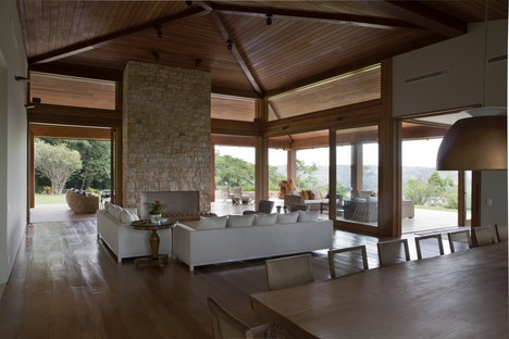 Gilda Meirelles Arquitetura - natural materials to live in harmony with the forest
