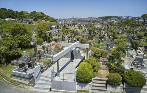Takeshi Hosaka Architects renovates the grave of the Kamakura Yukinoshita Church