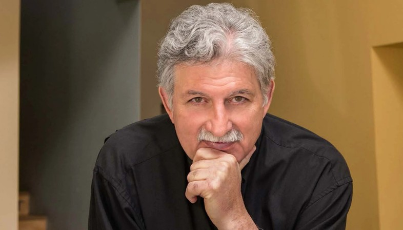 Edward Mazria is the recipient of the 2021 AIA Gold Medal