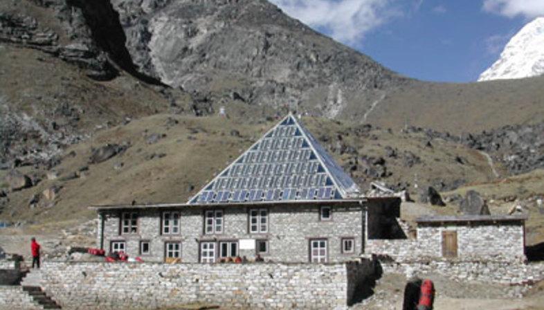 Pyramid Laboratoryobservatory Mount Everest Floornature