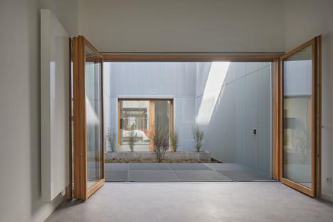 Moussafir Architectes & Nicolas Hugoo Architecture Mixed-use buildings in Paris