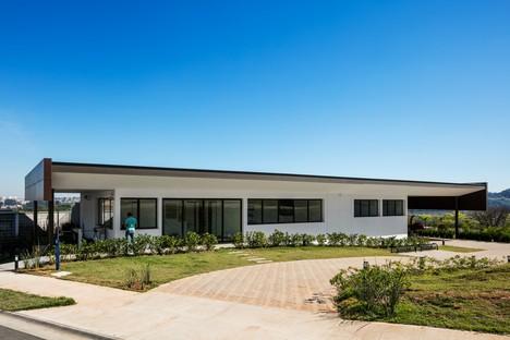 Reinach Mendonça Arquitetos Associados Club Sociale at Bosque do Horto Jundiaí