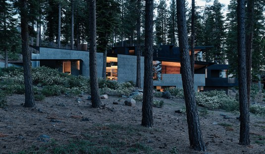 Faulkner Architects Lookout House, a minimalist house in Sierra Nevada